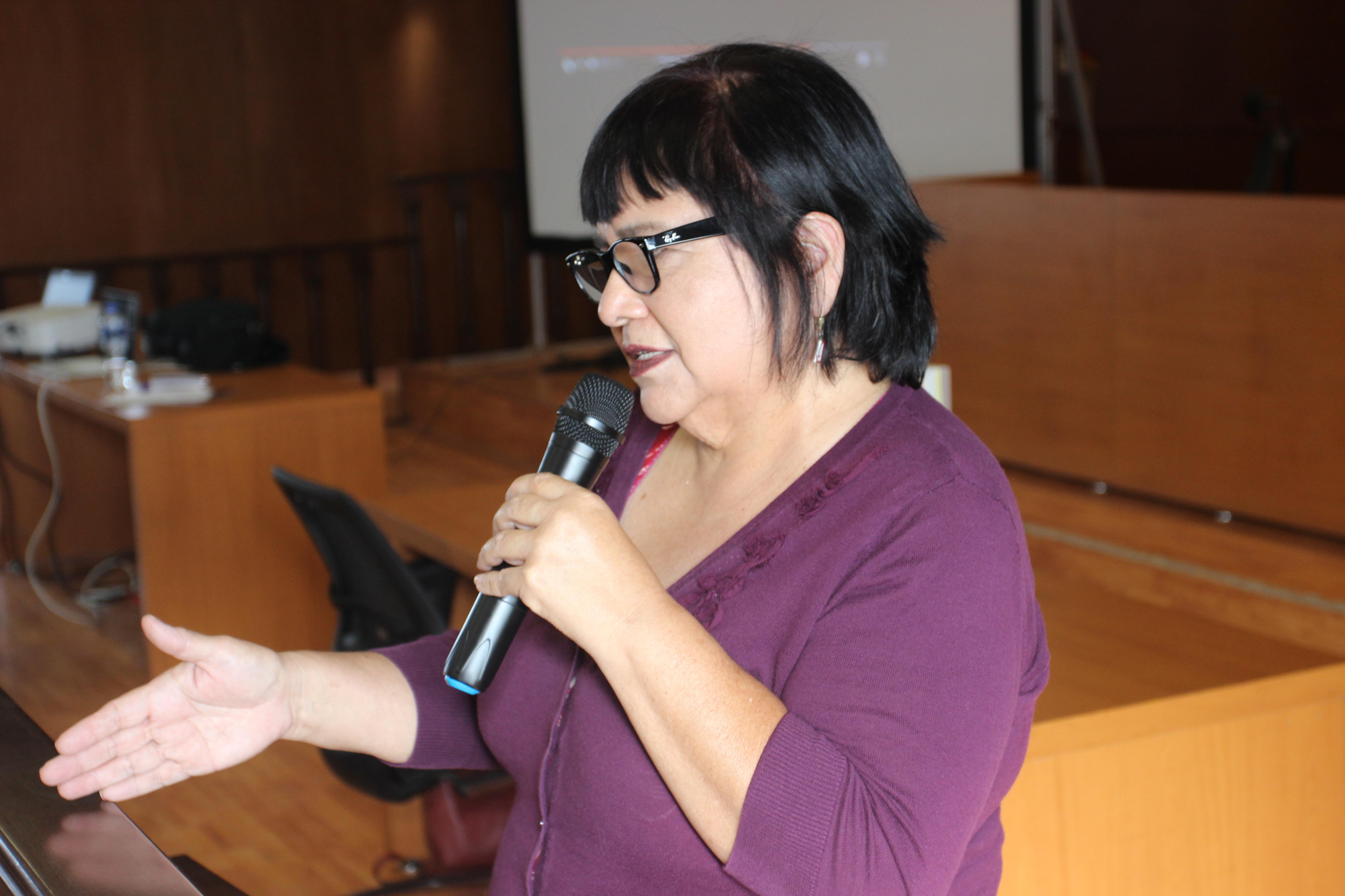 Conferencia impartida por las artistas Vickie Vértiz y Victoria Delgadillo