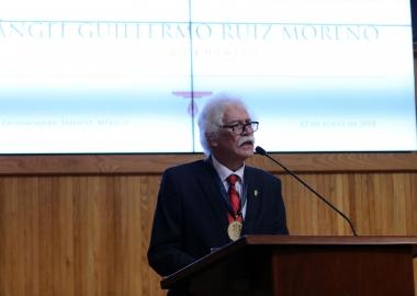 Distinguen al jurista Ángel Guillermo Ruiz Moreno como Maestro Emérito de la UdeG