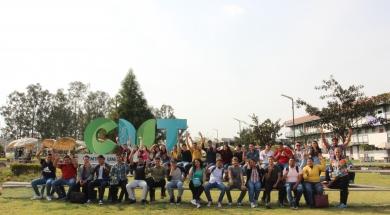 Primera generación de estudiantes del Arquitectura en el CUT