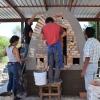 Construyen horno de leña sin humo en el Centro Universitario Tonalá.