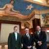 Fotografía del maestro Itzcóatl Tonatiuh Bravo Padilla, doctor Ricardo Villanueva Lomelí, y el doctor José Narro Robles